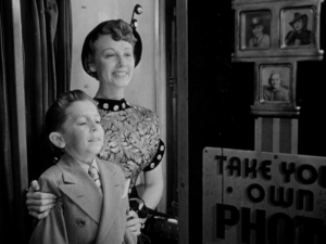 Paul Dale and Lorraine Miller in William Castle's It's a Small World (1950).